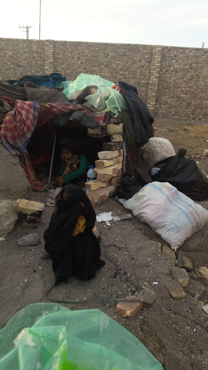 طعم تلخ فقر؛ چال خوابی دخترکان معصوم زابلی + عکس
