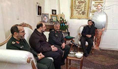 حضور فرمانده سپاه در منزل شهید حدادیان