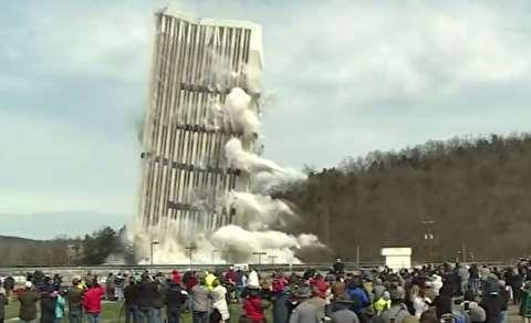 انفجار مهیب آسمان خراش در آمریکا