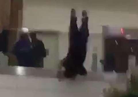 لحظه خودکشی شاهزاده سعودی در فرودگاه لندن