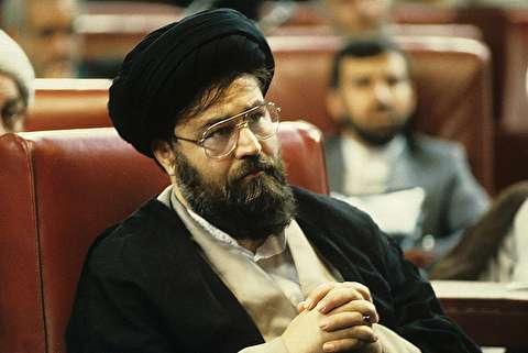 امام خمینی: احمد عزیزترین افراد برای من است
