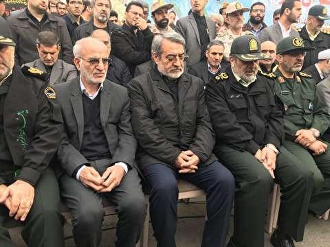 لحظات تشییع پیکر شهدای نیروی انتظامی