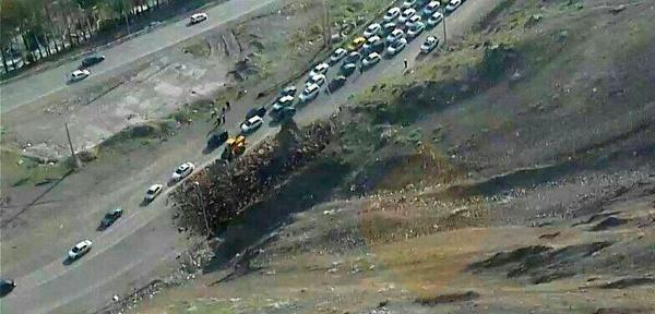 سقوط ٥٠ تن سنگ در جاده چالوس