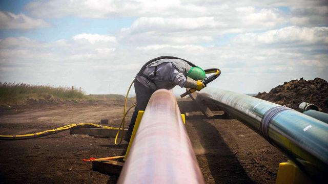 نگرانی های سرخ پوستان و طرفداران محیط زیست از نشت نفت در آمریکا