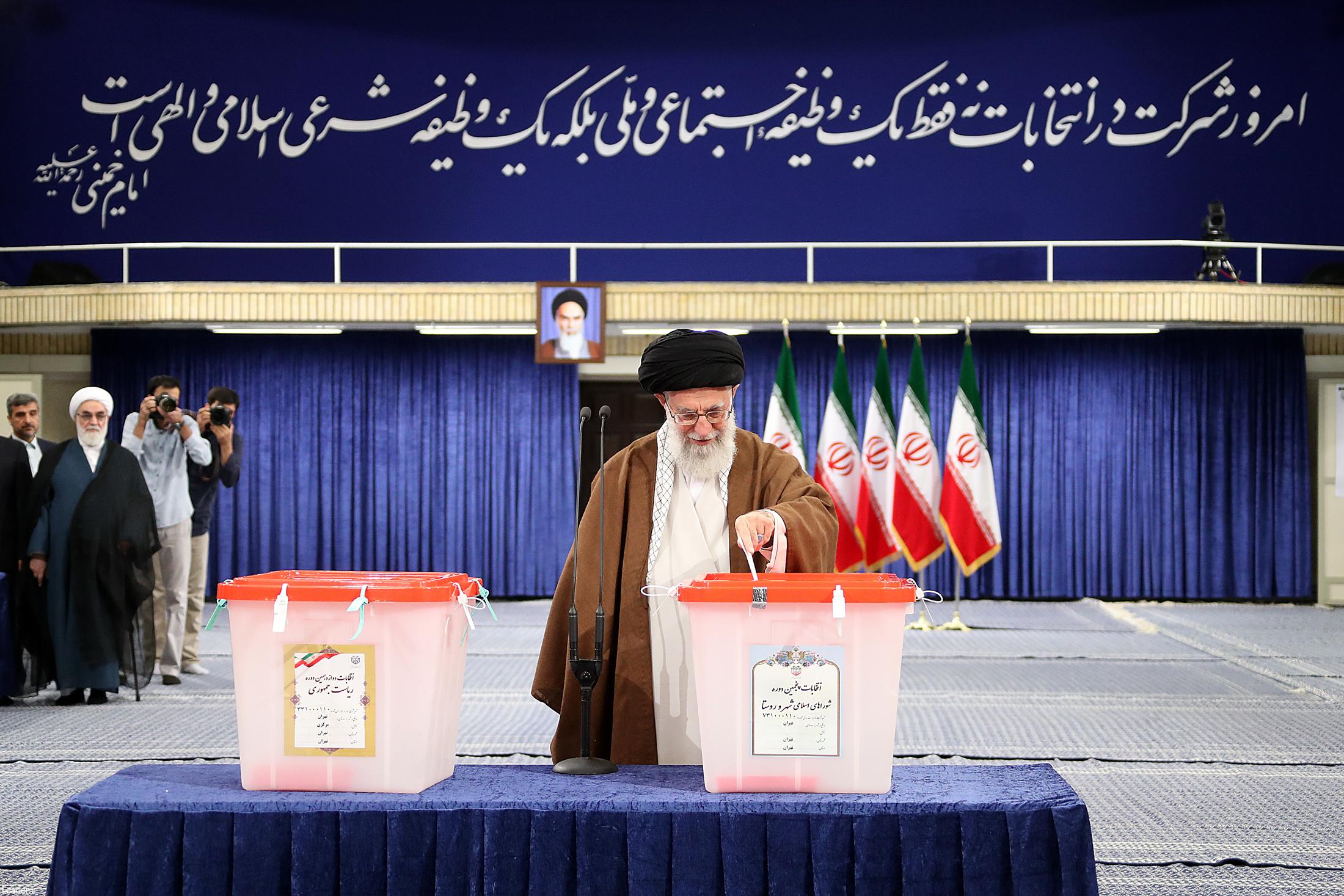 مردم با دقت، ملاحظه و شناخت در انتخابات شرکت کنند