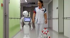 استفاده از رباتها در صنعت بیمه