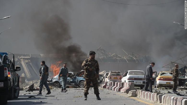 شوک و هراس در قلب کابل / انفجار مهیب در نزدیکی کاخ ریاست جمهوری افغانستان / بیش از 60 کشته و زخمی تا کنون
