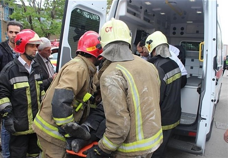 نجات ۲ کارگر از زیر آوار ساختمانی در سوهانک