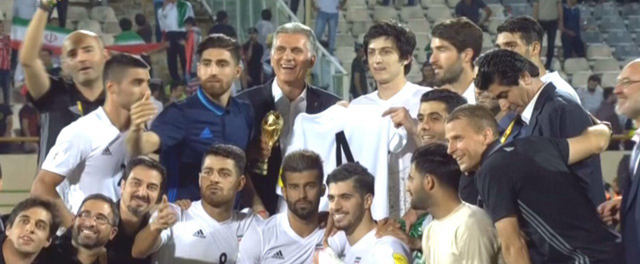 عکس صعود کی روش کنار ملی پوشان با جام جهانی!