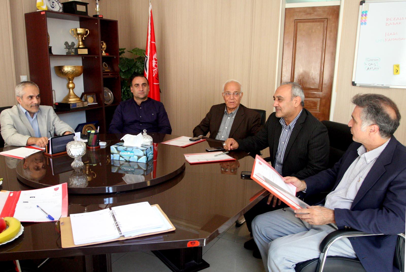 تصمیم عجیب وزیر ورزش درباره اعضای هیات مدیره سرخابی