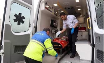 حمله همراهان بیمار با بیل به تکنیسینهای اورژانس