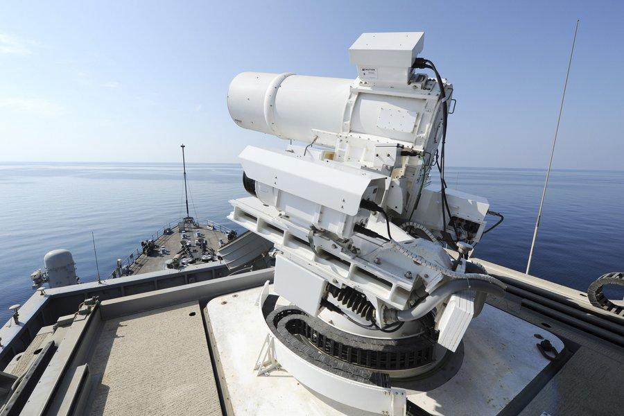 آزمایش اولین سلاح لیزری جهان درخلیج فارس توسط آمریکا/ ورود ششمین گروه از نیروهای ارتش ترکیه به دوحه/ لیست کامل تحریم های جدید آمریکا علیه ایران/ طرح آمریکا و معارضان برای تصرف شرق سوریه