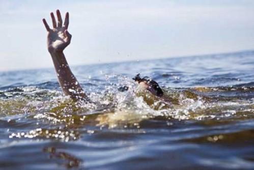 غرق شدن ۱۴ گردشگر خوزستانی در رودخانه دز / نجات ۶ نفر از حادثه ديدگان توسط نيروهاي امدادي