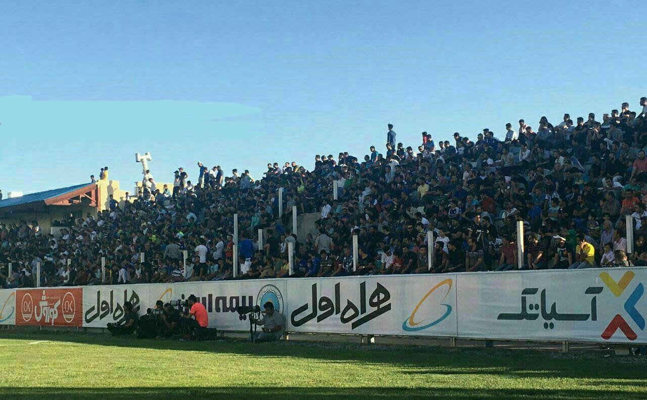 استقبال پرشور هواداران استقلال ازتمرین جمعه درکمپ حجازی
