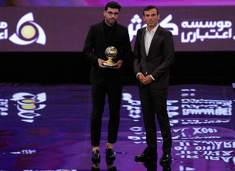 طارمی مردسال فوتبال ایران شد/جوایز فصل را بین پرسپولیس و استقلال تقسیم کردند+تصاویر