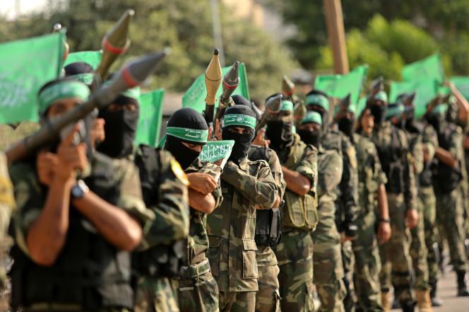 فرمان سازمان سیا به گروه های معارض سوری برای عقب نشینی به سوی مرز اردن/قرار گرفتن بیش از 11 هزار پاسپورت سوری در اختیار داعش/ راهکار العبادی برای متوقف کردن همهپرسی اقلیم کردستان عراق