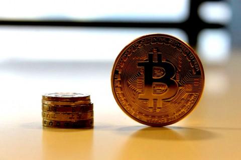 بیت کوین و ارزهای رمزپایه چیست؟
