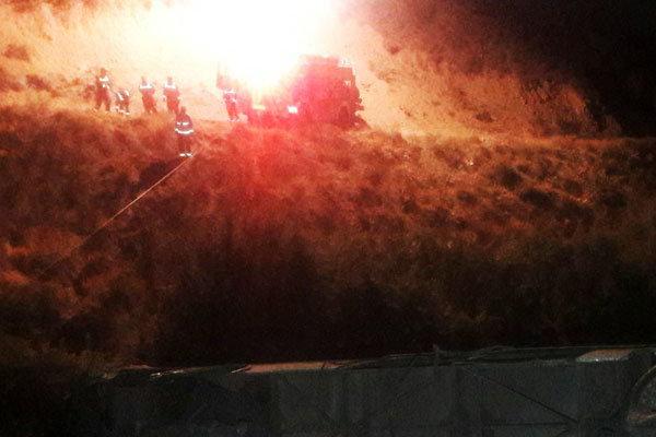 سقوط مرگبار اتوبوس کرج-ساری به عمق ۱۰۰ متری دره/ تا کنون ۱۱ تن جان باختهاند