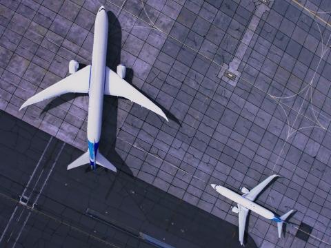 چرا اغلب هواپیماها سفید رنگند؟