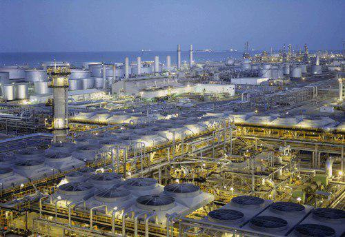 عربستان عرضه نفت به مشتریانش را کاهش میدهد