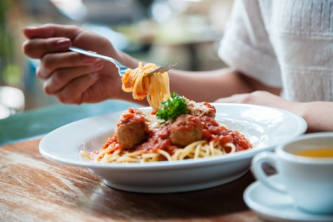 راههای ساده بهبود رفتار سر میز غذا