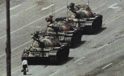 مرد تانکها؛ یک قهرمان ناشناس