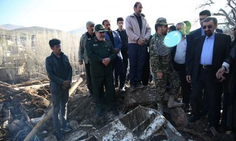 بازدید محسن رضایی از مناطق سیلزده