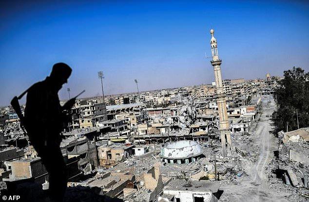 آزادی کامل شهر رقه و پاکسازی تروریستهای داعش در این شهر