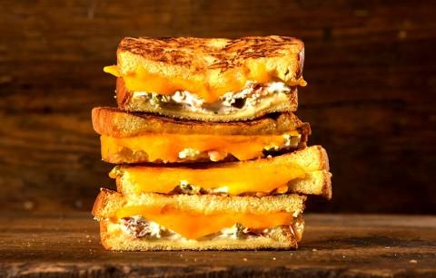 طرز تهیه پنیر گریل شده