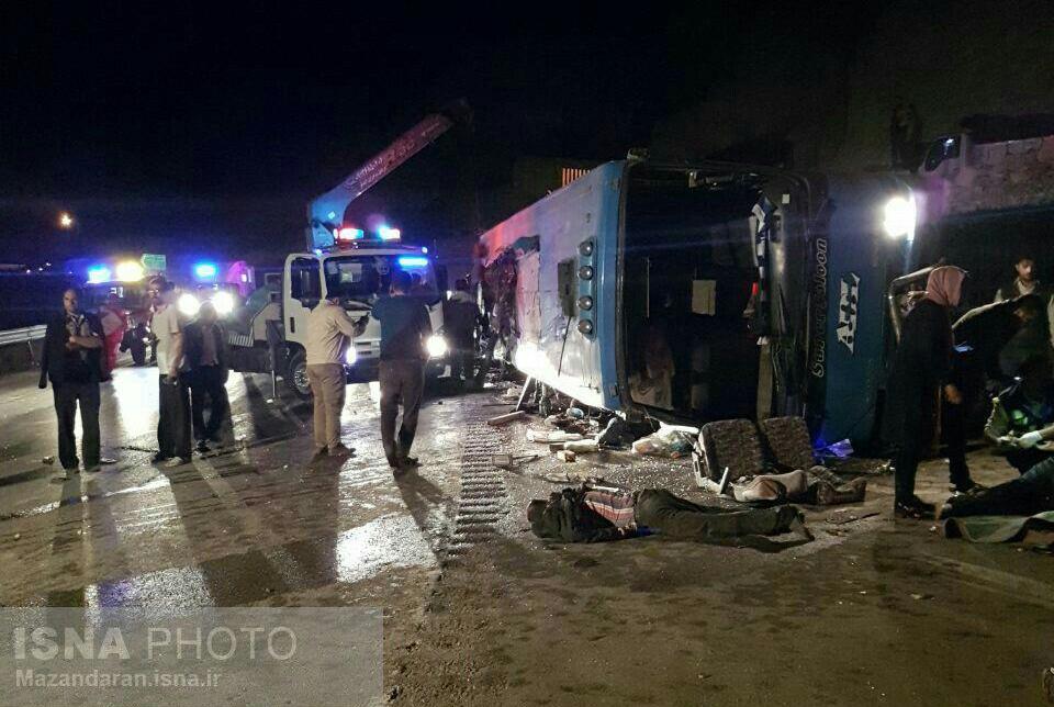 اولین تصویر از واژگونی اتوبوس در جاده سوادکوه