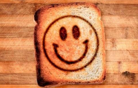 آموزش طراحی بر روی نان تست