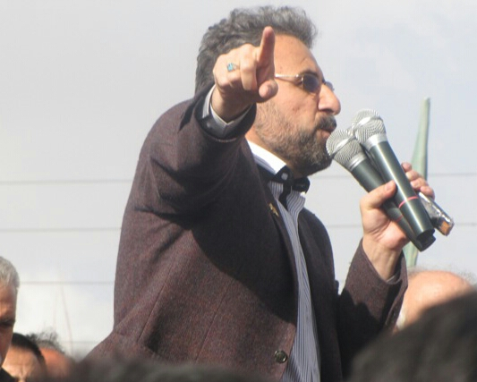 مدعی العموم از بانیان مسکن مهر شکایت کرد/ بودجه اختصاصی برای زلزله زده ها در نظر می گیرد