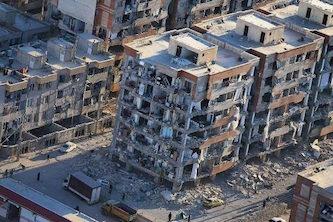 دیوار تحریم ظالمانه در برابر کمک به زلزلهزدگان