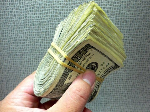 پدیده اثر ثروت چیست؟