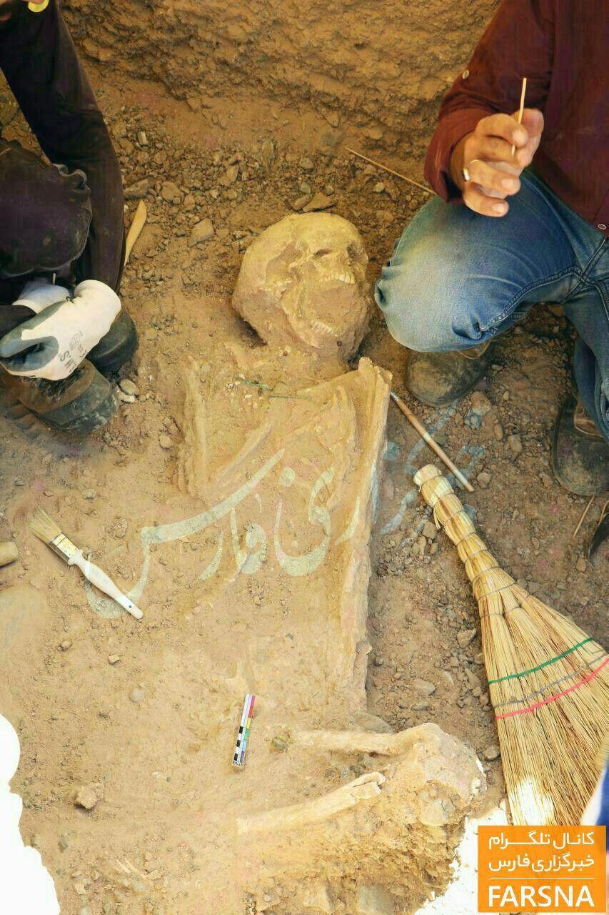 کشف اسکلت زن ۳۲۰۰ ساله در کاشان