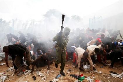رئیسجمهوردرمراسمتحلیف؛طرفداراندرچنگالپلیس