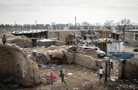 حال ناخوش قلعهای مخروبه زیر پای تهران