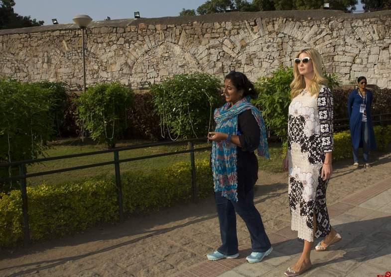 لباسهای هندی ایوانکا ترامپ جنجال برانگیز شد