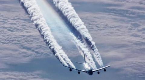 خطوط سفید پشت هواپیماها چیست؟