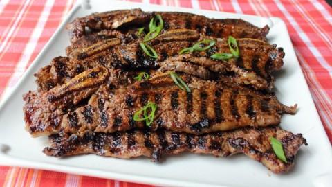 طرز تهیه دنده گوشت گاو گریل شده
