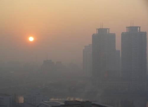 تعطیلی قطره چکانی برای فرار از آلودگی هوا یا مسئولیت؟!