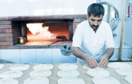 نان گران برای داخل، کار ارزان برای خارج