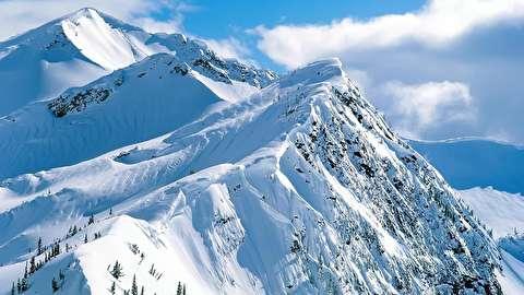 اسکی از قله کوهها