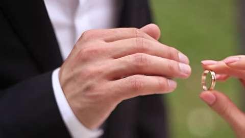 چگونه حلقه ازدواج انتخاب کنیم؟