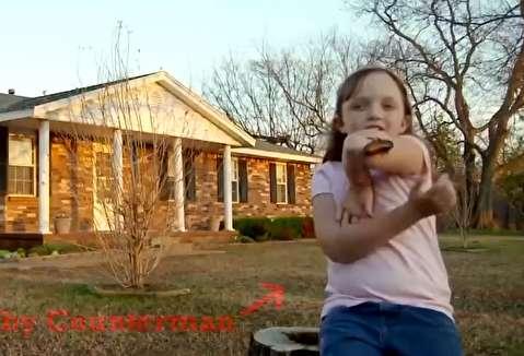 زندگی عجیب دختر 9 ساله با هزاران سوسک!