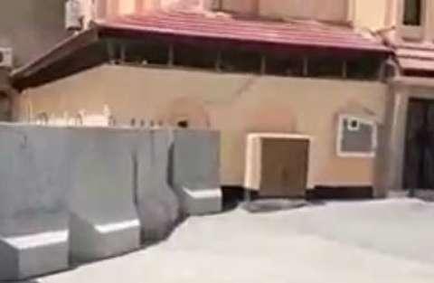 مسدودسازی اطراف خانه رهبر نهضت بحرین