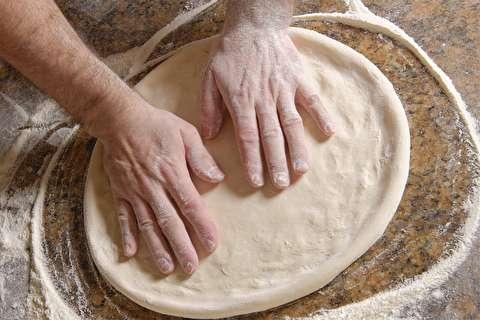 طرز تهیه خمیر پیتزا رستورانی