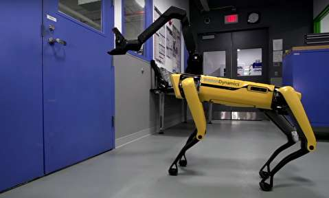 رباتی که در را باز میکند!