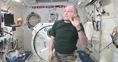 ترفندهای یویو بازی کردن در فضا