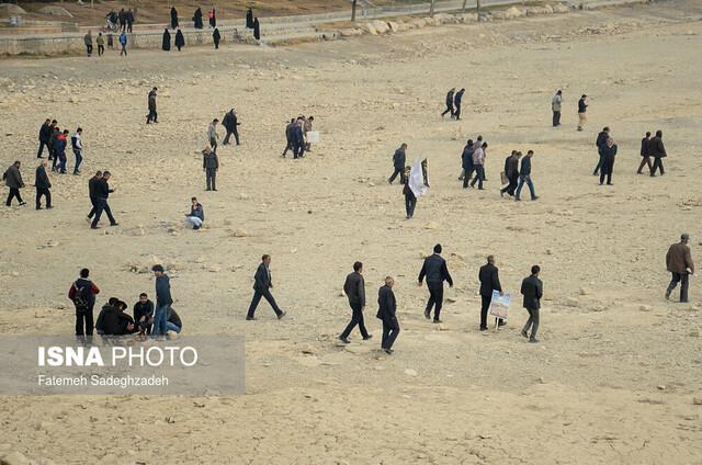 اعتراض کشاورزان اصفهان در کنار پل خواجو